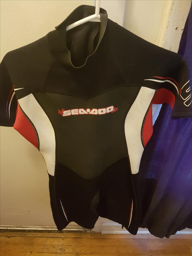 Women's 3/4 SeaDoo wet suit