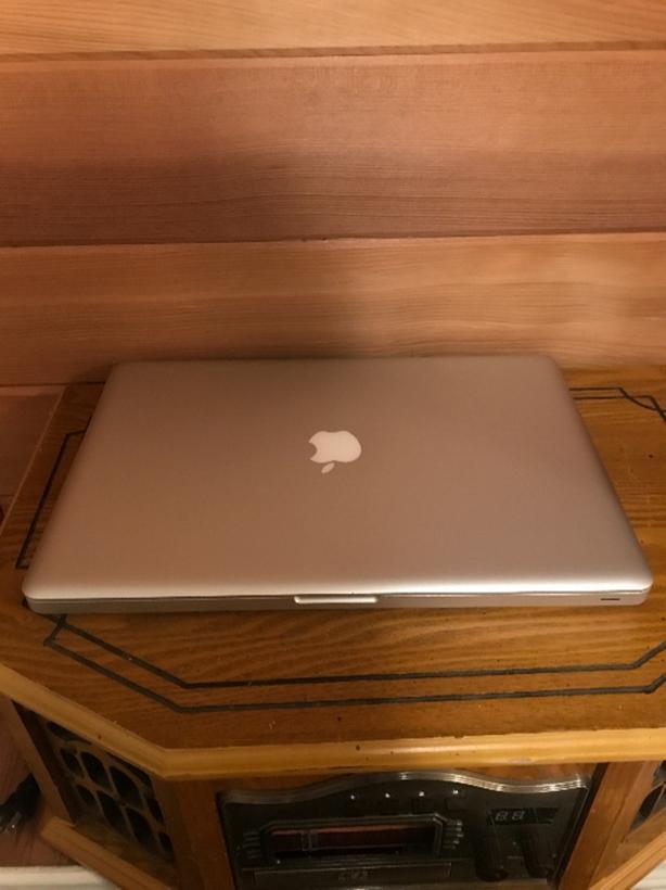 """15"""" Mac Book Pro 2011"""