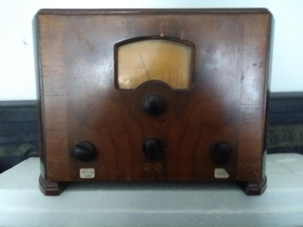 1939 working old radio model 5T-1