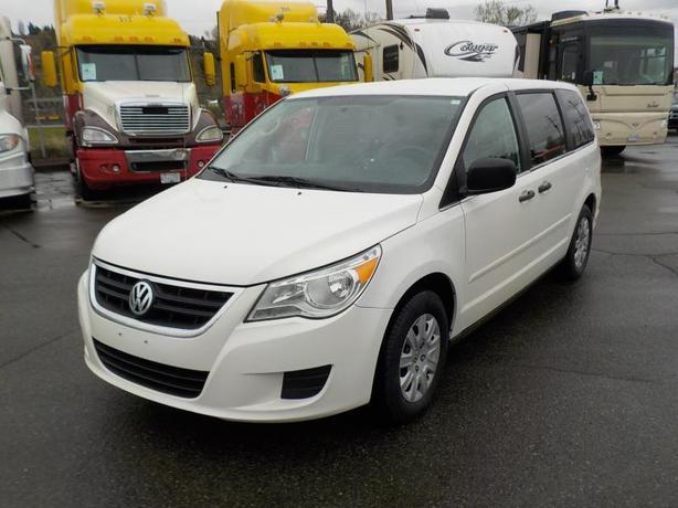 2012 Volkswagen Routan 7 Passenger Van