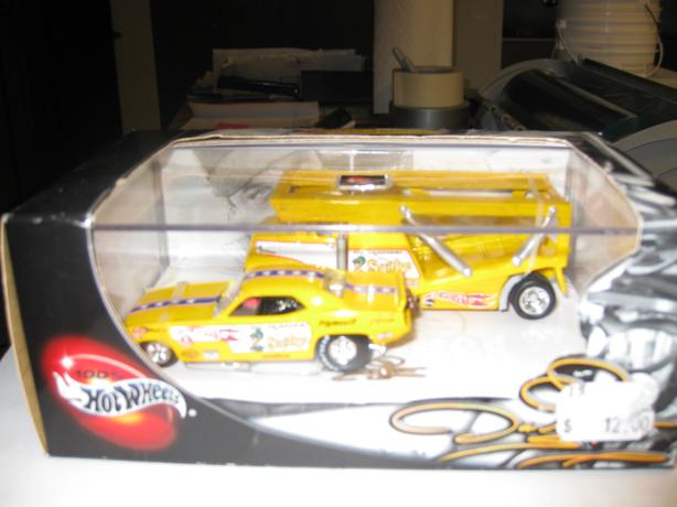 Hot Wheels Snake Funny Car & Hauler