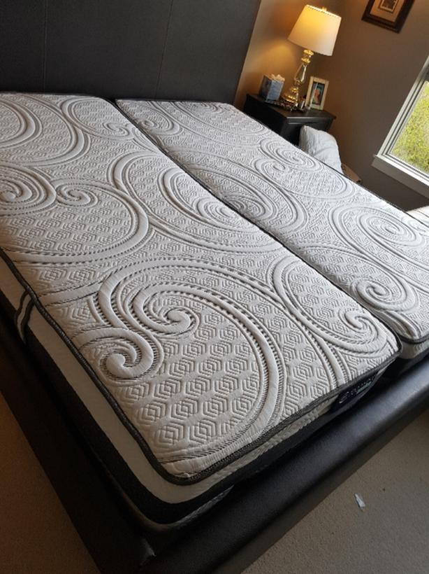 Serta IComfort Ultimate split king mattresses like new