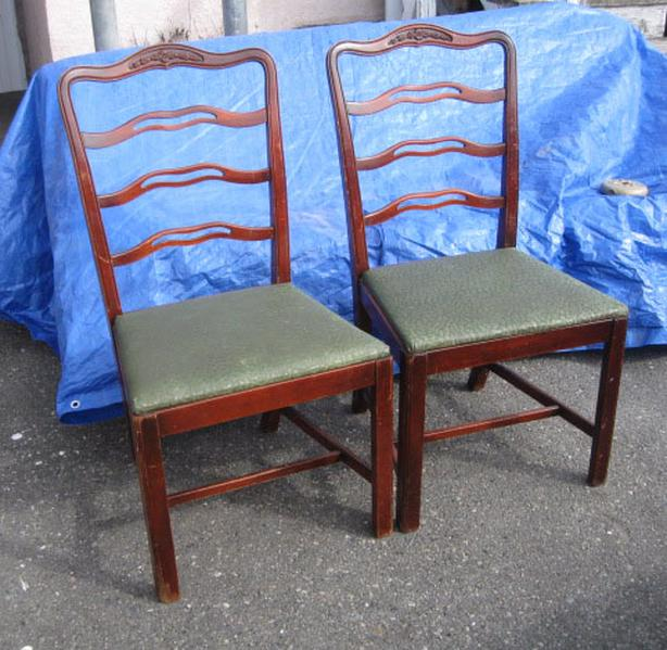 Set of 2 antique matching dining room chairs ladder backed walnut