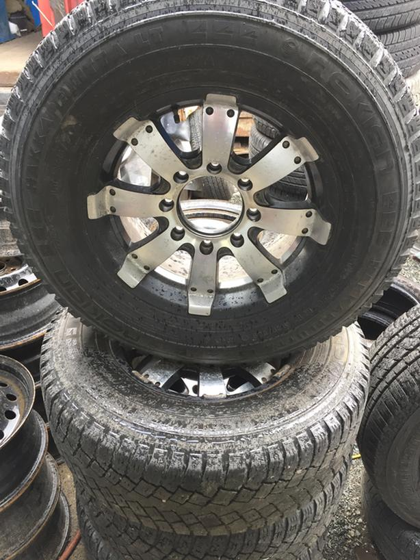Set of 4 265 70 17 Nokian 10ply Truck tires on wheels