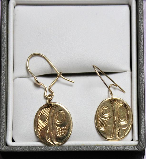 #157829-1 Signed First Nations 18K Yellow Gold Lady Bug Earrings