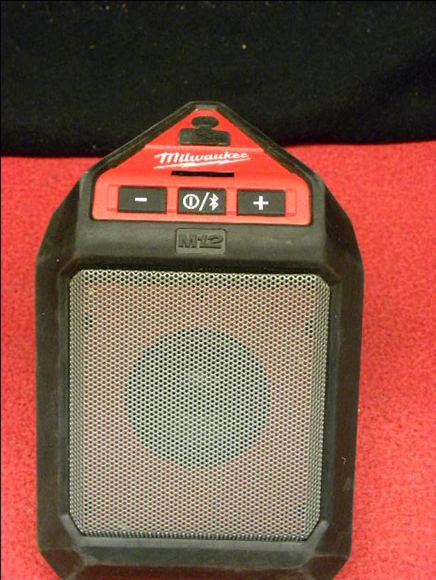 Milwaukee M12 wireless jobsite speaker