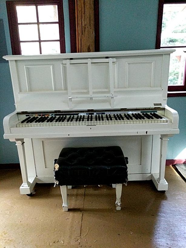 $100 O.B.O- Upright Piano