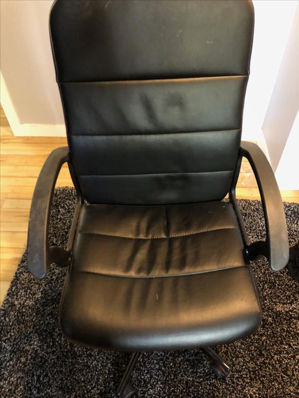 FREE: desk chair
