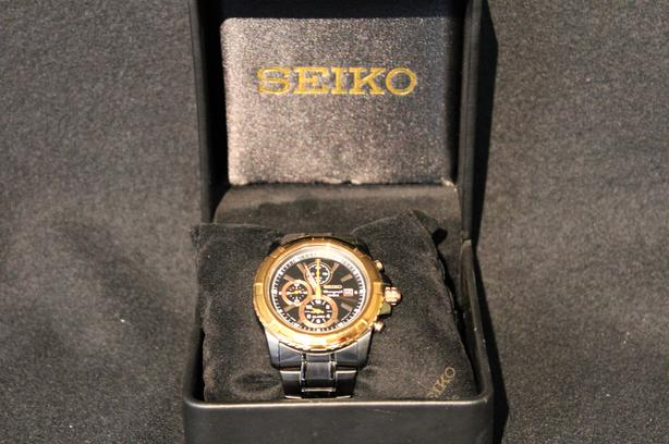 148374-1 Mens Seiko Analog Chronograph Watch w/ Gold Bezel & Box