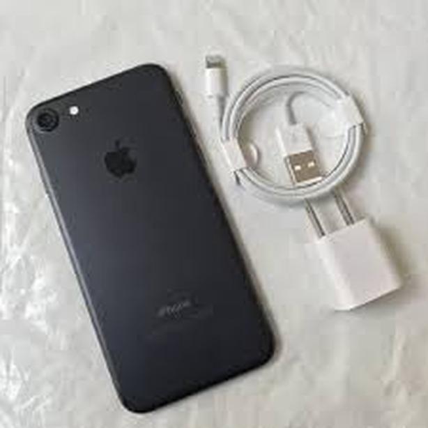 Iphone 7 Black 32 gb Bell