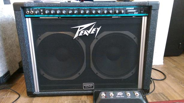 Peavey Stereo Chorus 212 guitar amp