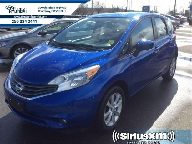 2015 Nissan Versa Note 1.6 SL  One Owner, No Accidents
