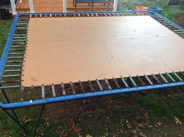 Sundance trampoline 8x10 mat