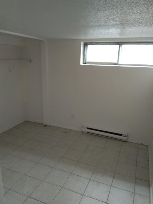 Sandy Hill Basement 2 Bedroom Apartment 50 Russell Ave