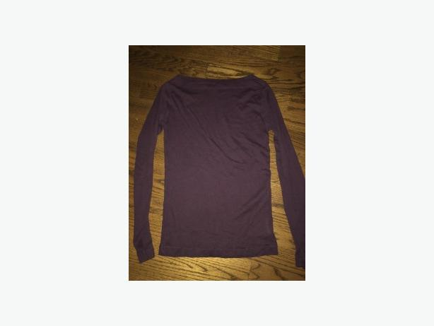 LADIES GAP SIZE SMALL COTTON BURGUNDY LONG SLEEVE TOP