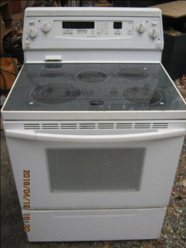 Stove Glass Top - Free Delivery in Port Alberni only