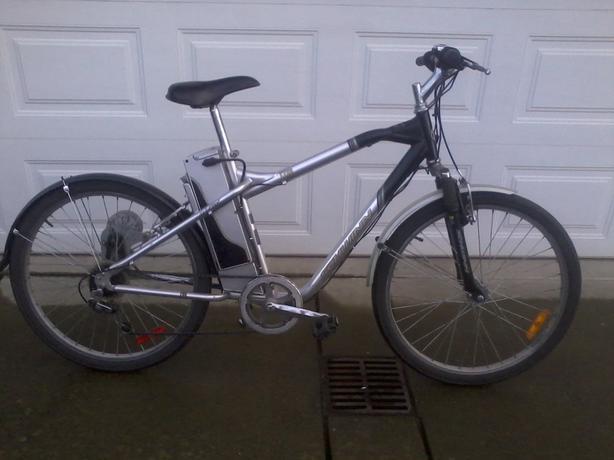  Log In needed $300 · Schwinn Izip electric bike