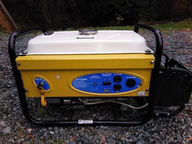 Power Fist 2500 W Generator