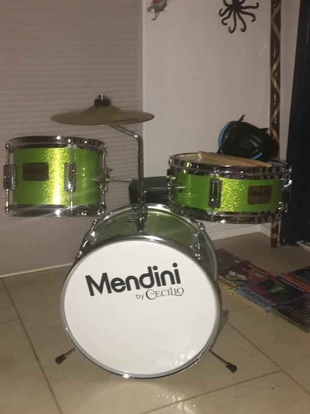 Kids Mendini Drum Set Saanich Victoria
