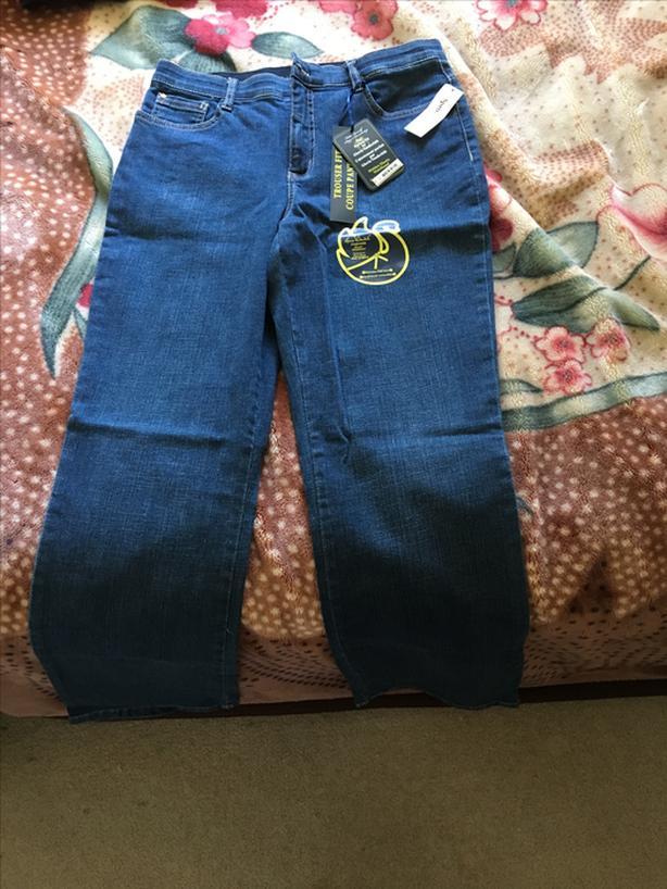 NEW Gloria Vanderbilt jeans