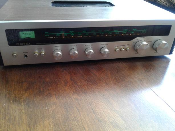 Vintage Turntable + Amplifier + Speakers Victoria City, Victoria