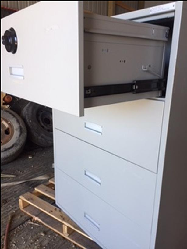 4 drwer pull out file cab. with combination lock