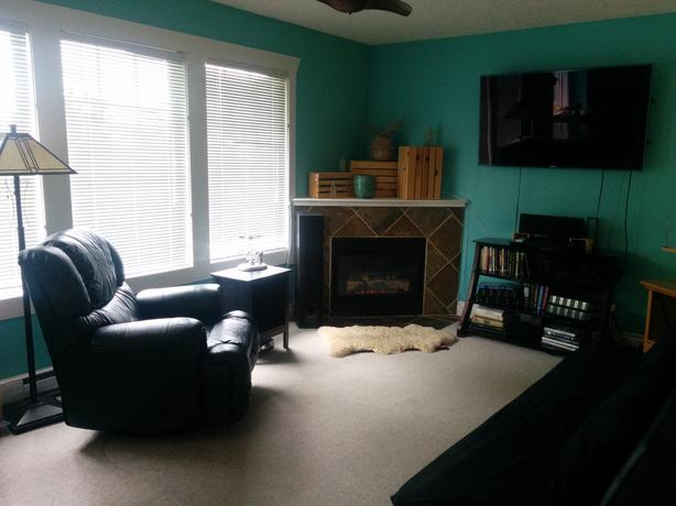 1 BDRM FURNISHED SUNLIT SUITE - Sublet for JULY and AUGUST