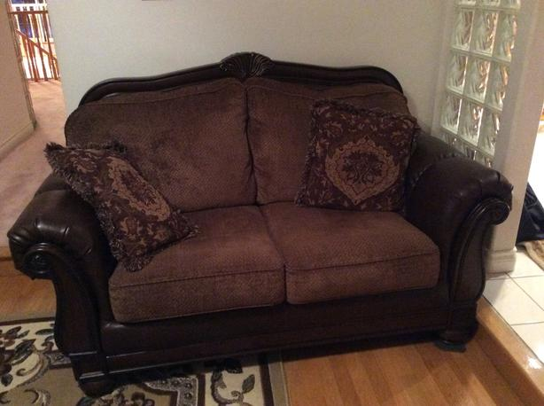 Like New Set Of Sofas Loveseat And Couch 1000 For Both Burnaby