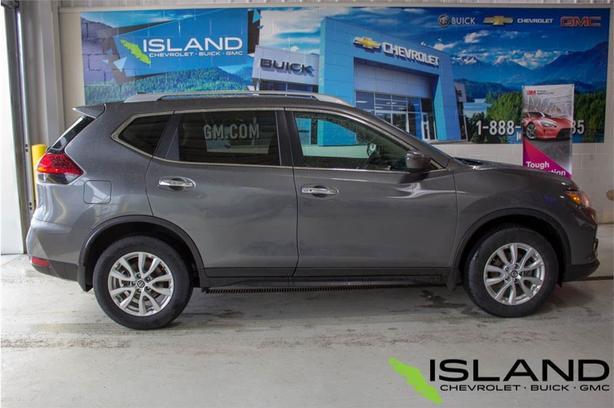 2017 Nissan Rogue SV | Remote Start | Heated Seats | Bluetooth