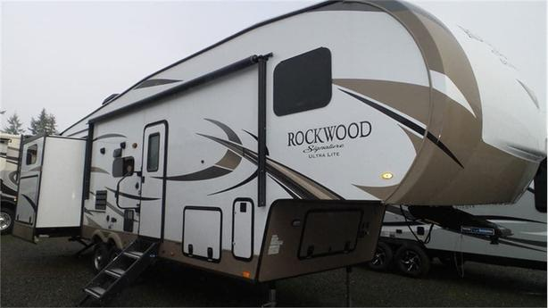 2018 Forest River Rockwood Signature Ultra Lite 8301WS -