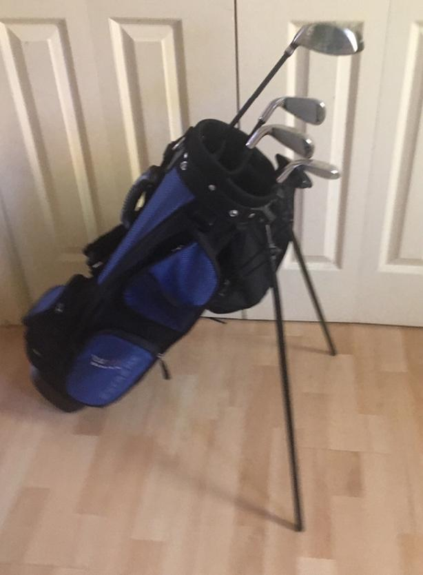 Junior Golf Clubs Right Hand   - 2 Sers For Sale
