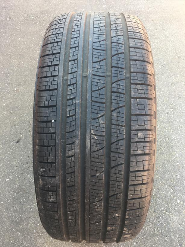 1 single 285/40/22 Pirelli scorpion verde AS like new (surrey)