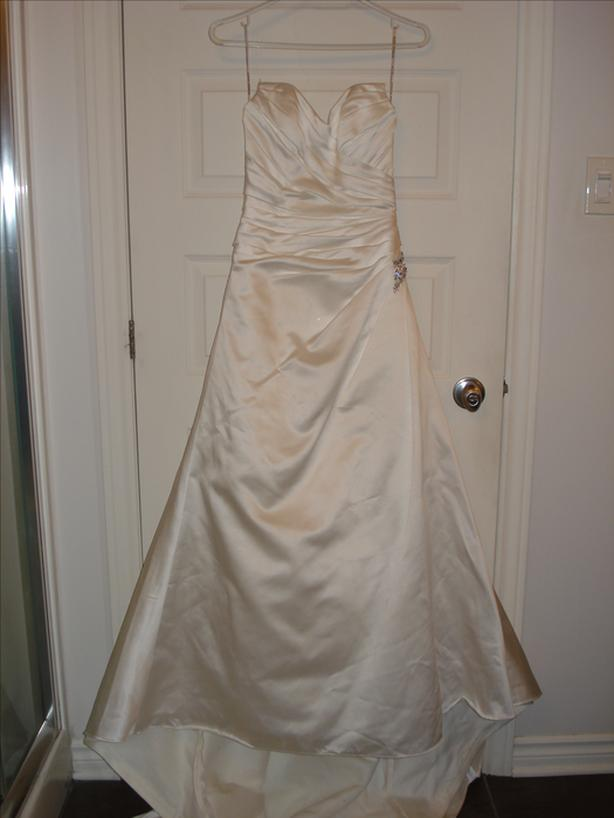 SIZE 4 WEDDING DRESS