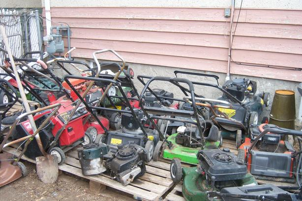 WANTED: YOUR BROKEN/UNWANTED GAS POWERED YARD EQUIPMENT FOR FREE