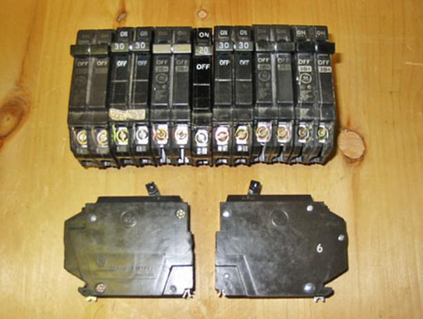 GENERAL ELECTRIC THQP Plug-On Thin Circuit Breakers (Mixed Lot) ~ Rare!