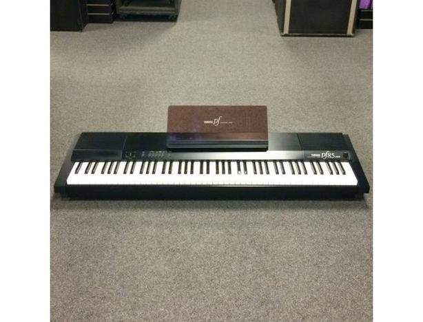 yamaha pf85 88 key weighted key electric piano victoria city victoria. Black Bedroom Furniture Sets. Home Design Ideas