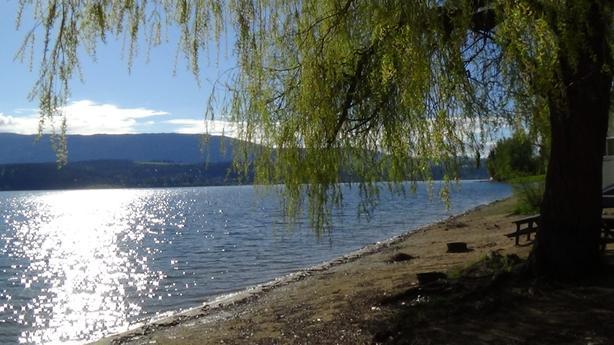 RV for rent on Shuswap lake
