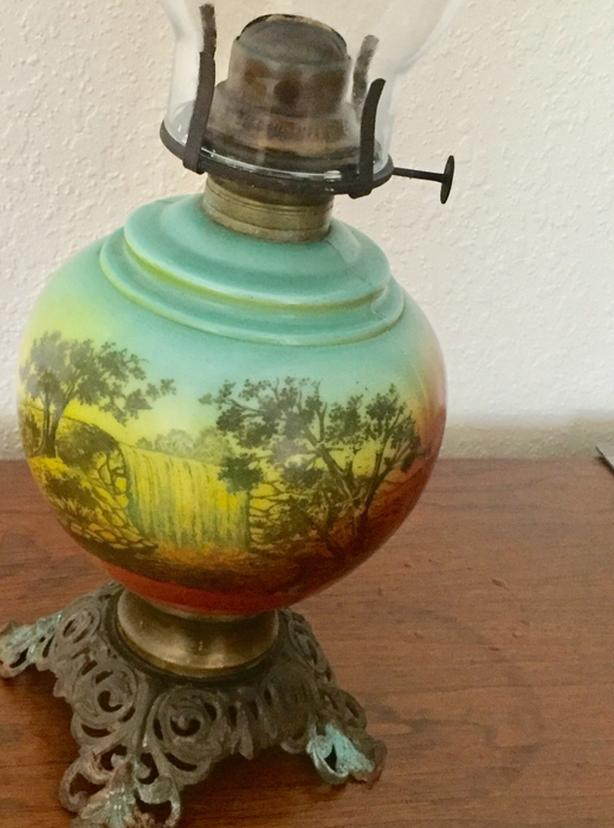 victorian hand painted oil lamp ready to use