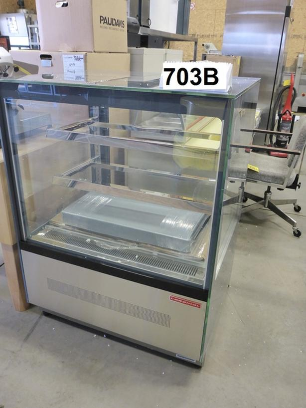 Display Showcase Amp Sliding Glass Door Coolers Outside Calgary