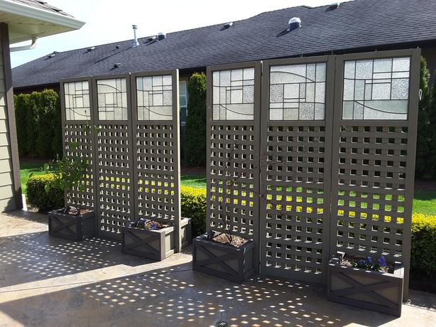 Moving Must Sell Outdoor Privacy Screentrellis With Planter Boxes