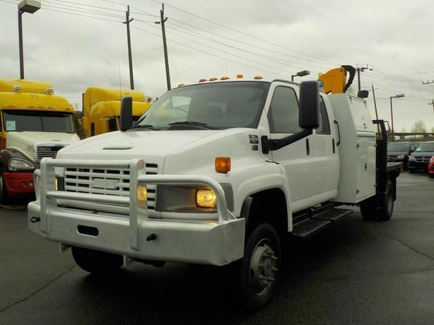 2005 GMC C5500 Crew Cab Flat Deck With Crane Duramax Diesel 4X4