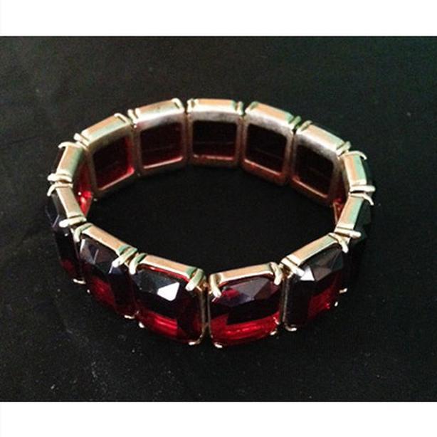 Vintage 50's era Monet faux ruby stretch bracelet