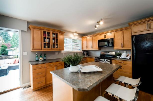 Log In Needed 3 500 Kitchen Cabinets For Sale By Owner