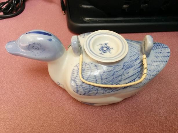 Chinese Duck Tea Pot