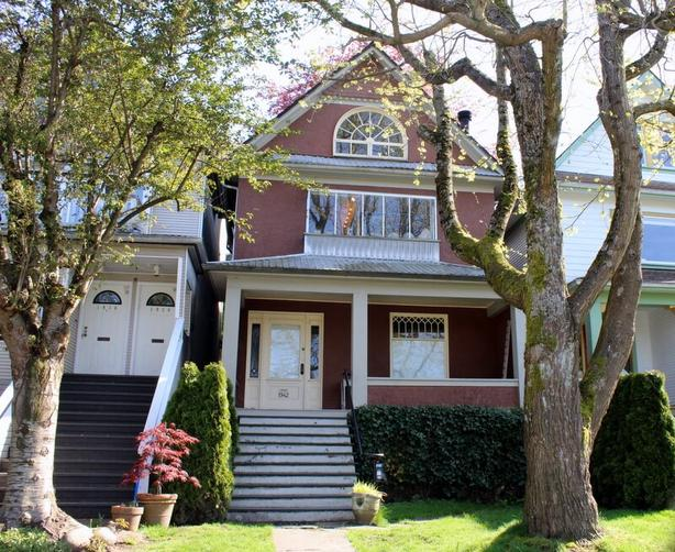 Charming 2 Bedroom + Study Furnished Home in Kitsilano #831