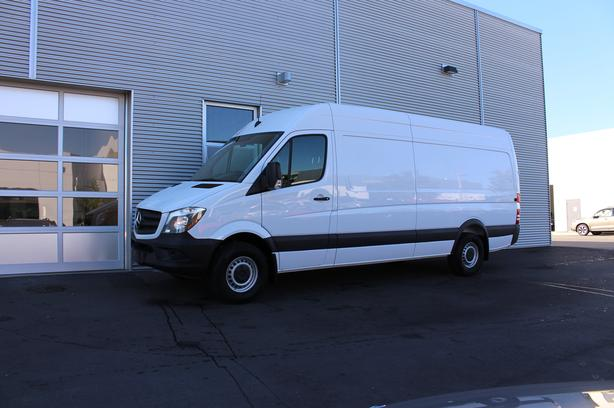 2017 Mercedes-Benz Sprinter V6 2500 Cargo 170