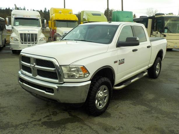 2014 Dodge RAM 2500 SLT Crew Cab Regular Box 4WD with Tonneau Cover