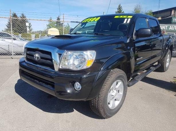 2011 Toyota Tacoma 4X4, Crew-Cab with 12 month free warranty