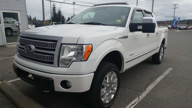2011 Ford F-150 Platinum- Low Km's & Great shape! Loaded!