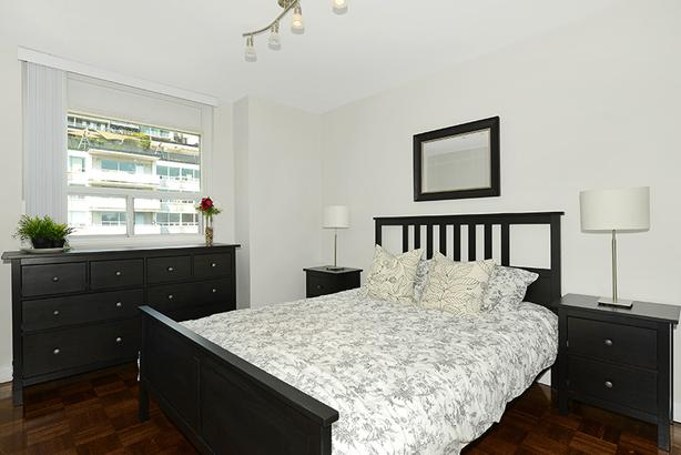 Bachelor Studio Downtown! Steps to Yonge, Bloor, & Annex!